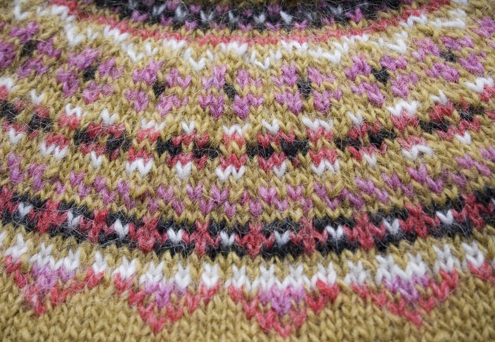 """103a4e3d6 Free knitting pattern! """"Fimma"""" Icelandic sweater (kids  sizes 4"""